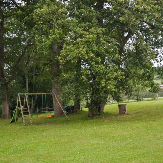 https://chambresdhote-azkena.fr/wp-content/uploads/2016/10/air-de-jeux-jardin-azkena-1-540x540.jpg
