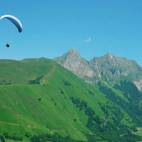 http://chambresdhote-azkena.fr/wp-content/uploads/2016/10/parapente-540x540.jpg