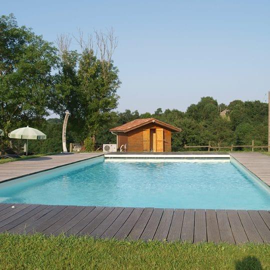 http://chambresdhote-azkena.fr/wp-content/uploads/2016/10/piscine-maison-dhotes2-540x540.jpg