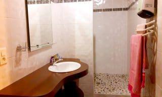 salle de bain chambre d'hotes Kaline