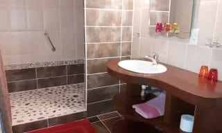 salle de bain chambre d'hotes Lolotte